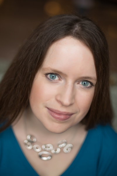 Laurie Lucking Author Headshot