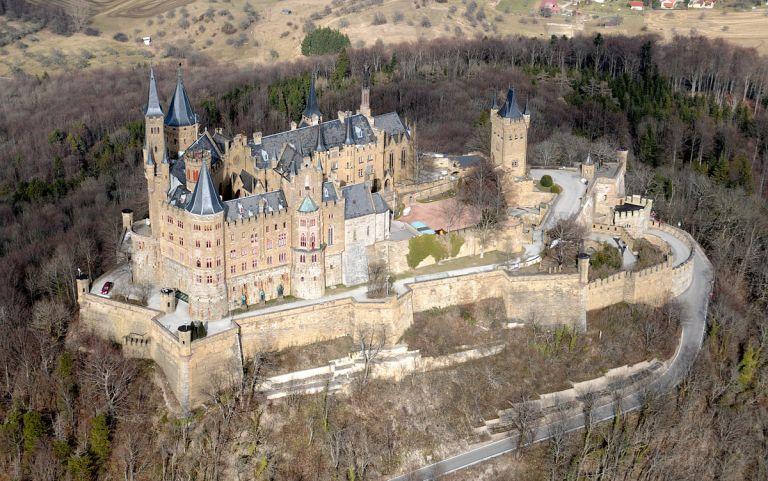 Burg_Hohenzollern_SW.jpg